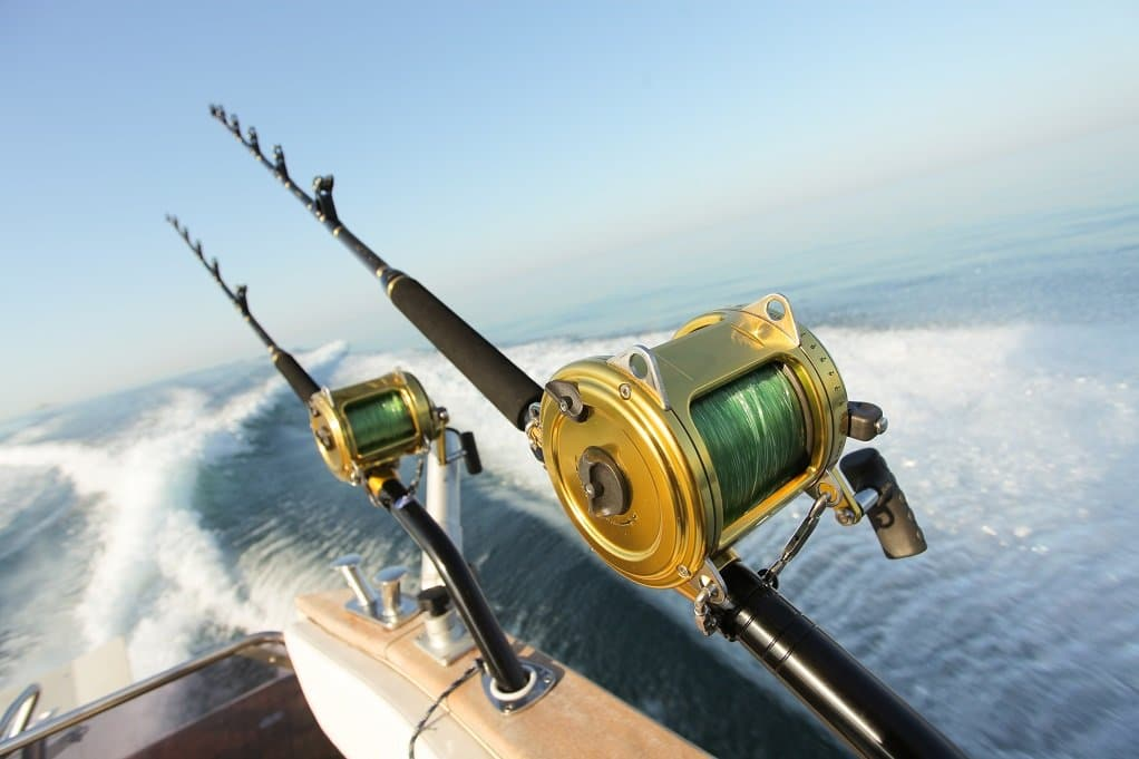 fishing-reels-boat-wake-deep-sea-fishing